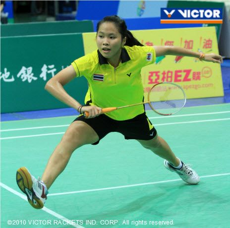 15 year old VICTOR player Inthanon Ratchanok from Thailand won the woman's gold, her first win in a major adult international badminton competition.