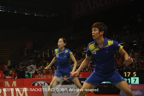 Lee Yong Dae (right) took the men's doubles and mixed doubles titles at the US Open Badminton 2011