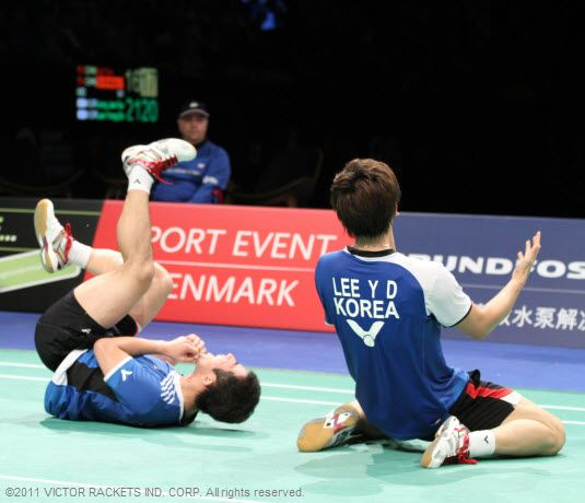 The sweet moment of victory for Lee Yong Dae/Jung Jae Sung